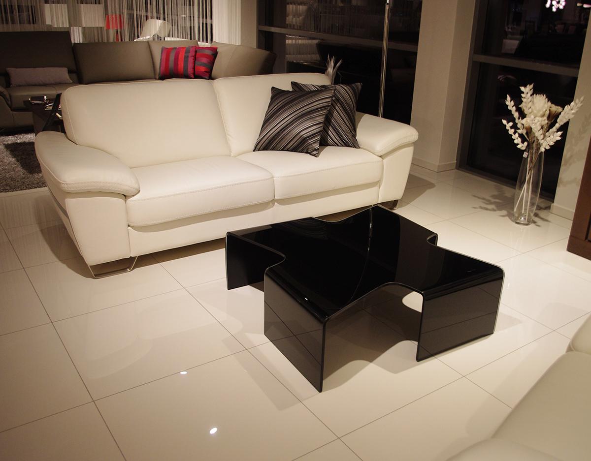 axenta salon ława szklana czarna sofa kremowa