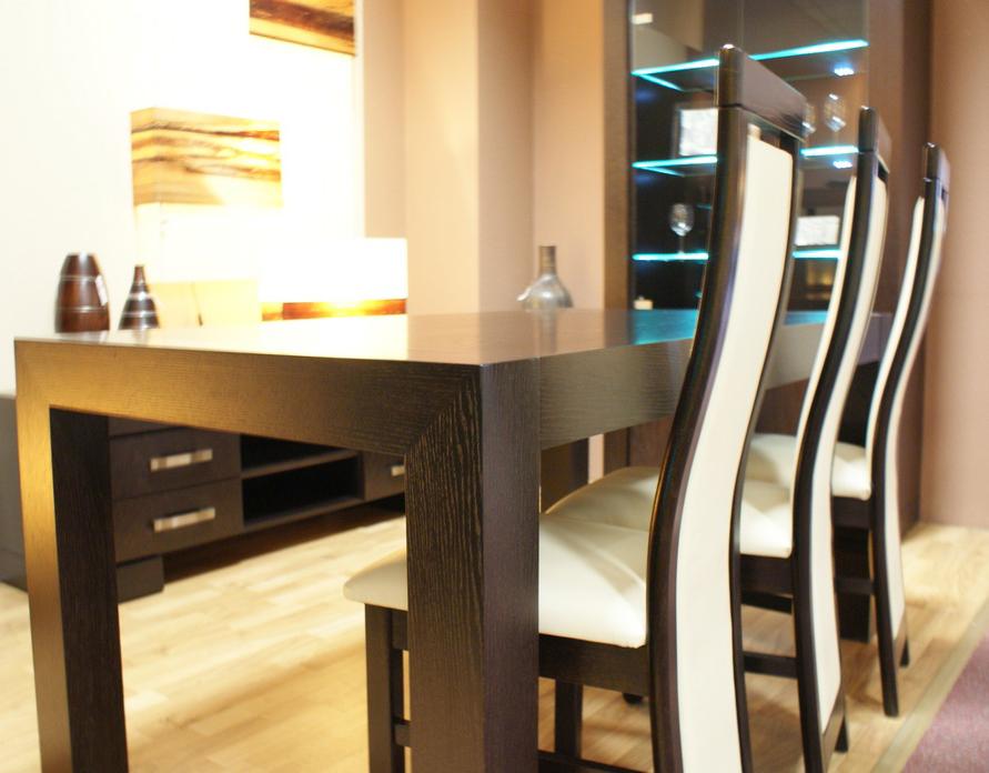 barcelona stół w okleinie czarny dąb