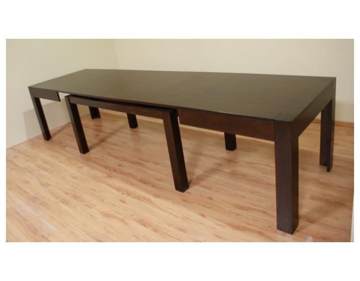 kanada2 duży stół rozkładany na kilkanaćie osób