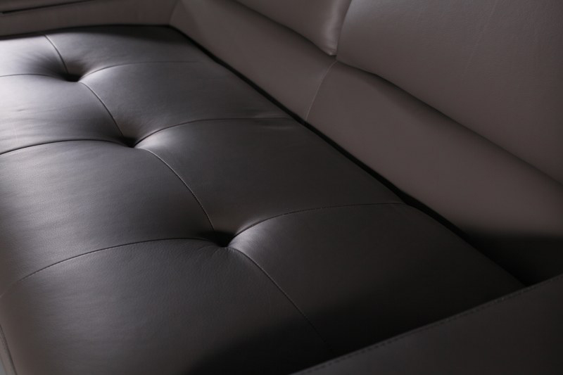onex sofa z pikowanymi siedziskami