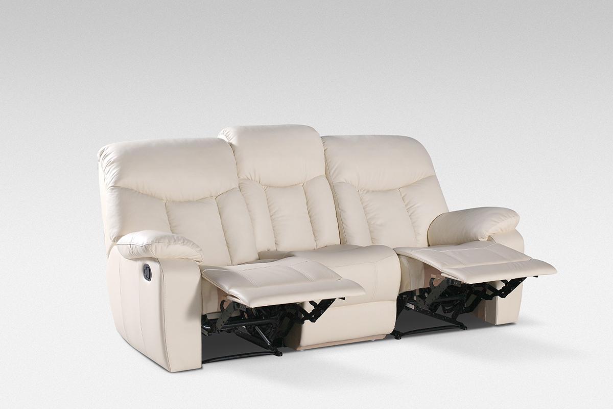 relax biała sofa z wysuwanymi podnóżkami