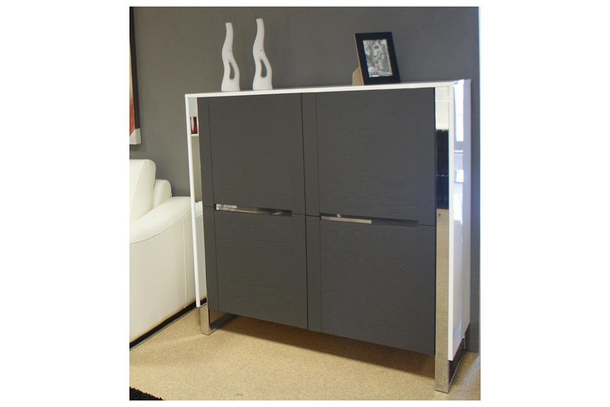artvision komoda biały korpus fronty szare metalowe elementy ozdobne