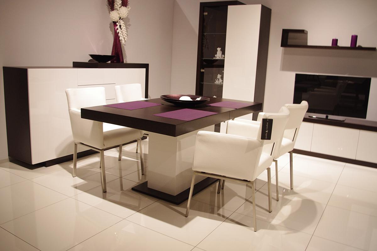 rodos stół na jednej nodze biała podstawa dębowy blat białe krzesła