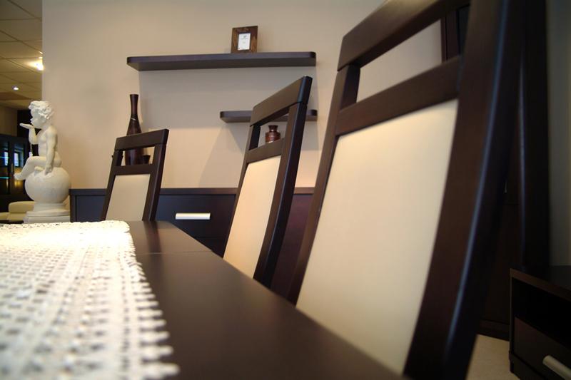 sara meble dębowe okleinowane krzesła skórzane białe oparcia