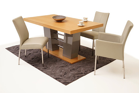 Cyprian2 stół do jadalni aranżacja krzesła beżowe metalowe nogi
