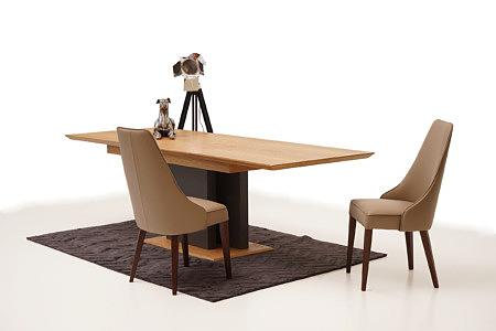 Paris aranżacja inspiracja stół krzesła do nowoczesnego salonu
