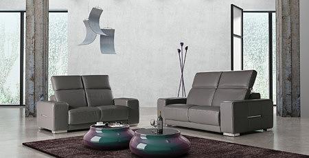 Domino - dwie nowoczesne sofy skórzane z regulowanymi zagłówkami, elegancka sofa brązowa skóra skórzana