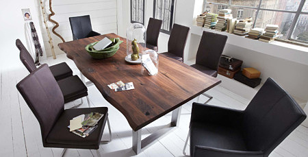 drewniany stół z metalowymi nogami rama metalowa
