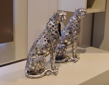 figurka ozdobna pantera centkowana srebrna