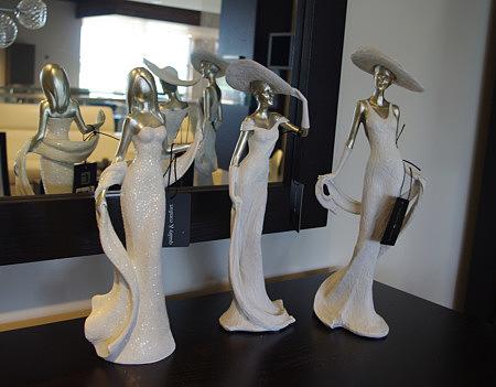 figurki ozdobne kobieta w kapeluszu