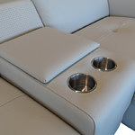 Genua sofa z barkiem i uchwytami na napoje