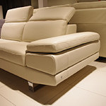 goya sofa skórzana z metalowmymi nogami