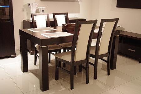 kalifornia stół w naturalnej okleinie dębowej z wstawkami metalowymi