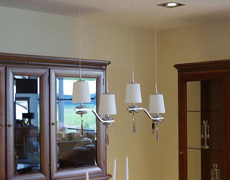 lampy wiszące białe matowe klosze