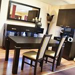 Milano2 krzesło drewniane wenge oparcie skórzane białe