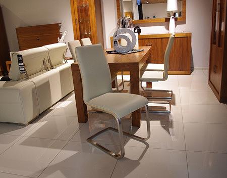 Paola krzesło płozy metalowe oparcie skórzane białe