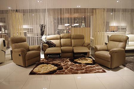 Meble na wymiar z Wrocławia - Komplet wypoczynkowy 3+1+1 - sofa skórzana trzyosobowa i dwa fotele, kolor skóry brązowy - eleganckie meble do wnętrz ekskluzywnych