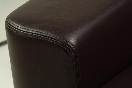 Sara1 detal szycia sofy