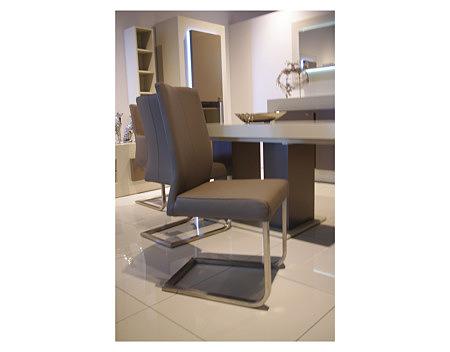 skip3 krzesło metalowe płozy brązowe skórzane