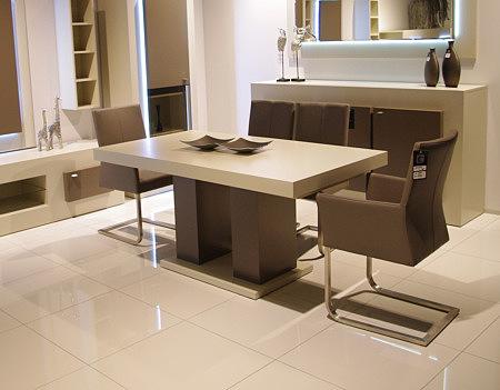 skip4 krzesło metalowe brązowe obicie ozdobne przeszycie oparcia