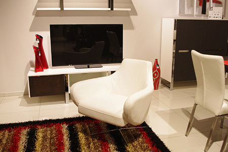 speed biały fotel obracany metalowa noga skórzany kubełek