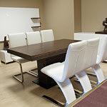 tau stół do salonu okleina dębowa ciemna białe krzesła