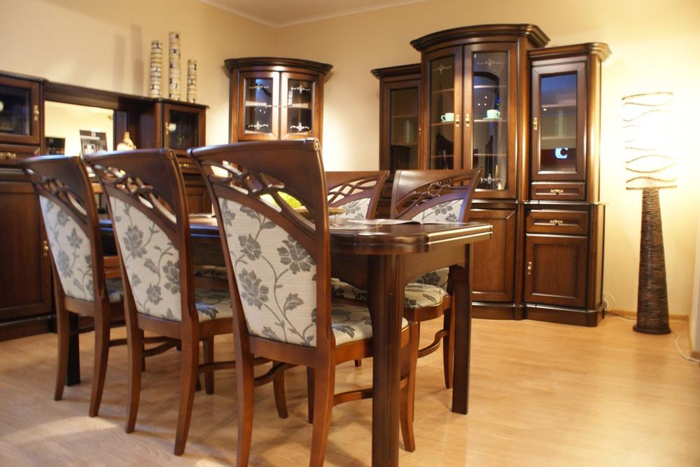 atena krzesła dębowe w stylu klasycznym