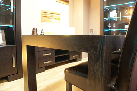 barcelona stół dębowy z masywnymi nogami