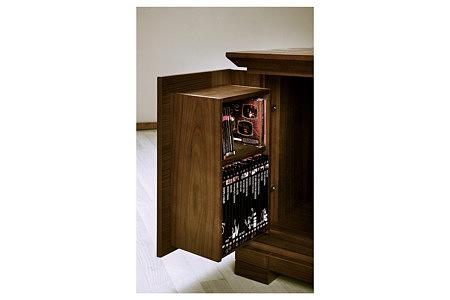 cassetti komoda w stylu klasycznym schoweg w drzwiczkach