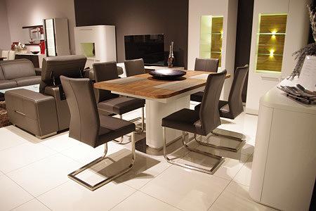 Delta stół nowoczesny na jednej nodze biały krzesła metalowe nogi