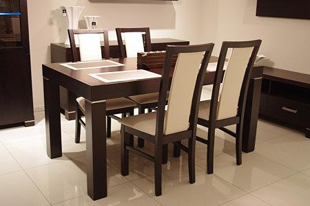 Kalifornia dębowy stół z krzesłami białe oparcia skóra