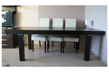 Kalifornia stół dębowy białe krzesła ze skóry