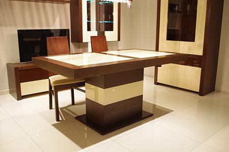 Lizbona stół na jednej nodze olcha białe ozdoby