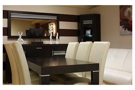 monaco stół dębowy z białymi krzesłami