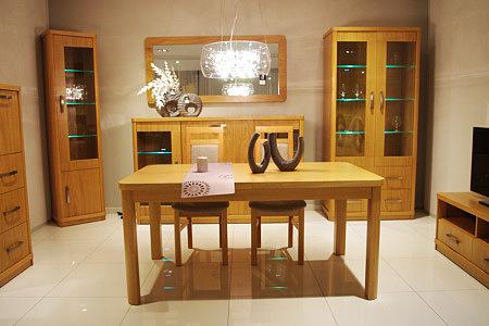 Sara2 zestaw mebli dębowych stół witryna komoda szafki