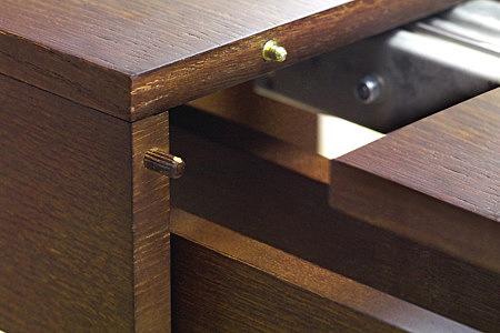 Tris element łączeone w stole rozkładanym