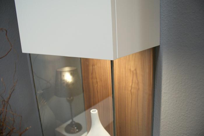 zeus biała witryna przeszklenie oświetlenie