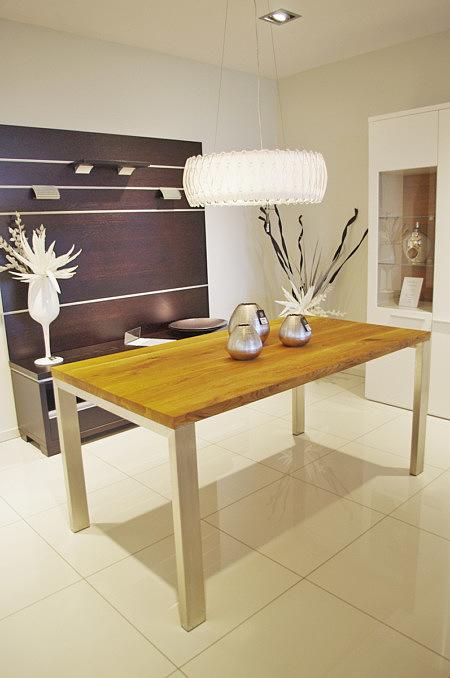 Nowoczesny stół dębowy z litego drewna