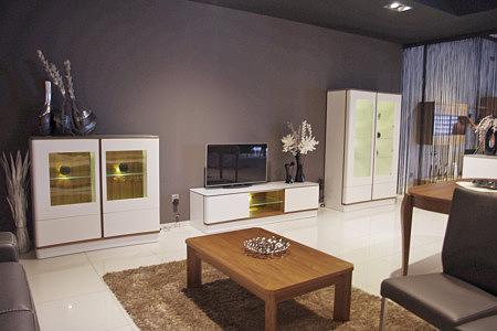 Ovo aranżacja wnętrza nowoczesnego salonu białe meble