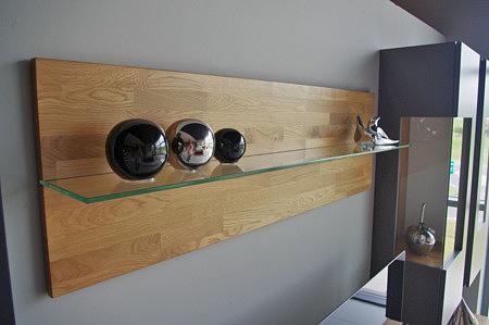 półka z litego drewna dębowego ze szklaną półką