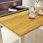 stół metalowy z blatem z litego drewna dębowego