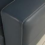 Genesis detal wykonania boku eleganckiej sofy szycie grubymi nićmi