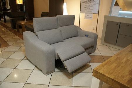 sofa z tkaniny