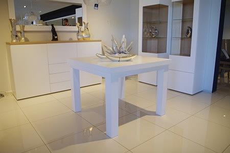 stół niewielki
