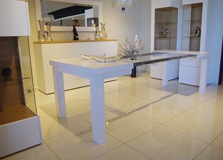 stół rozłożony