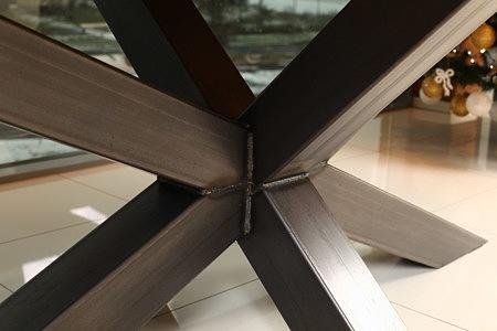 Bazalt nogi stołu industrialnego do jawalni w lofcie