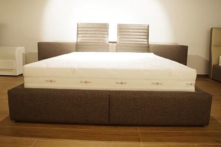 łóżko z tkaniny
