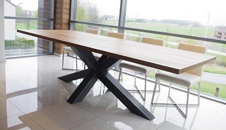 stół do salonu nowoczesny metalowy