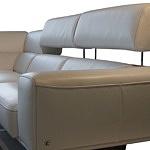 Grande - nowoczesna kanapa narożna z podnoszonymi zagłówkami, prezentacja mechanizmu podnoszenia zagłówków