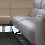 Grande - biała sofa wypoczynek narożnik ze skóry naturalnej przeszyty grubą nicia